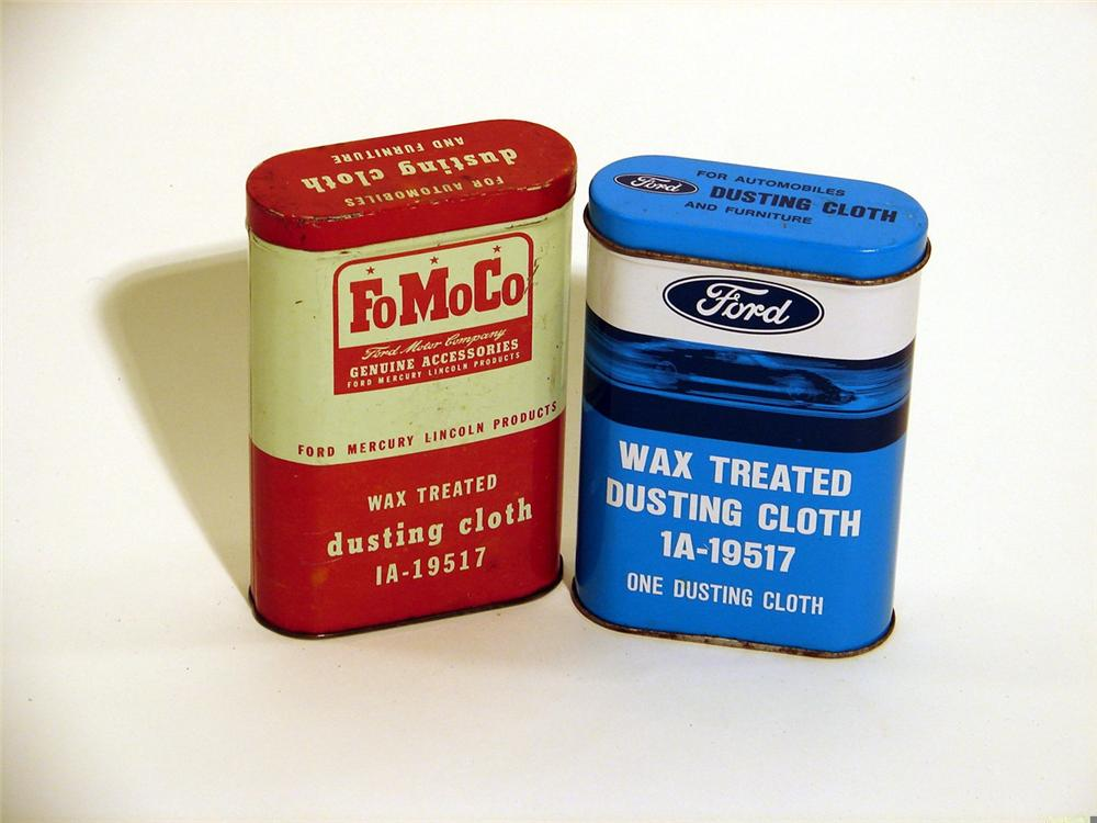 Lot of two Ford polishing cloth tins. - Front 3/4 - 46867