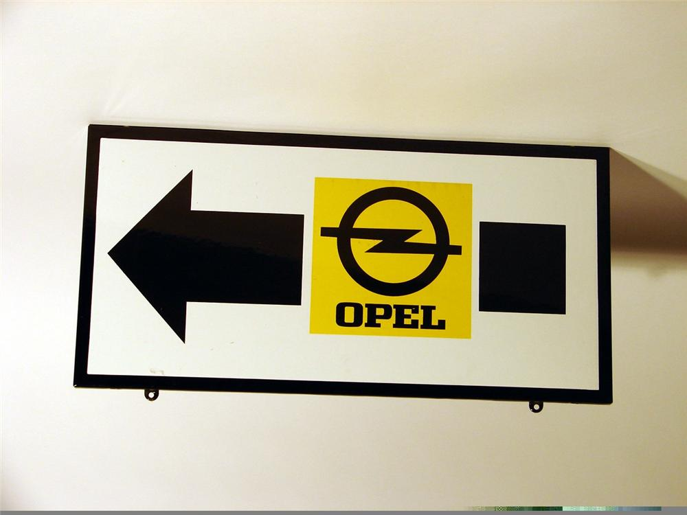 Very clean 1960s Opel Service single-sided porcelain station sign. - Front 3/4 - 46926