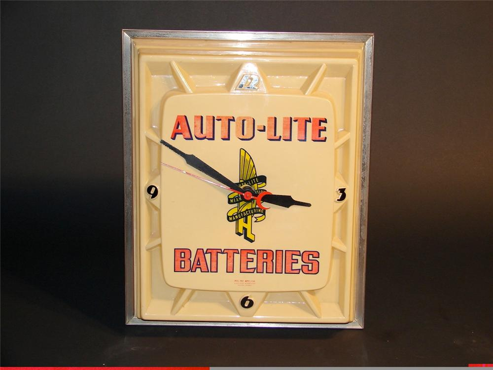 Auto-Lite Batteries plastic faced light-up garage clock. - Front 3/4 - 47117