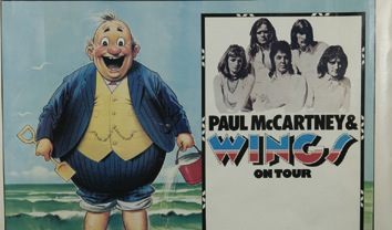 Paul McCartney and Wings first ever tour poster plus corresponding programme, 1973. RESERVE - Front 3/4 - 47838