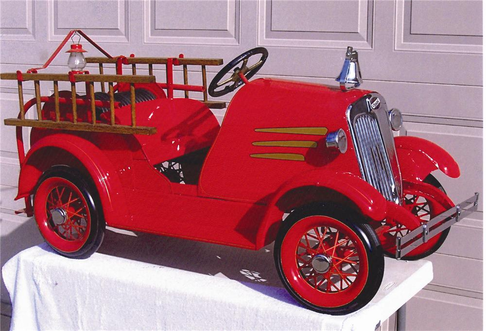 Spectacular 1930s American National Fire Truck pedal car restored to perfection! - Front 3/4 - 48465