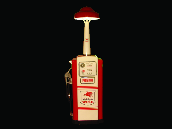 Impeccably restored 1950s Mobil Wayne #100 Mobil gas pump with island lighting unit. - Front 3/4 - 50075