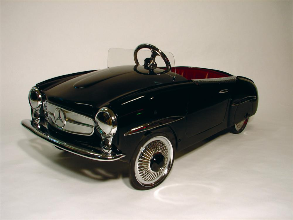 Unparalleled 1950s Mercedes 190 SL restored pedal car. - Front 3/4 - 50106