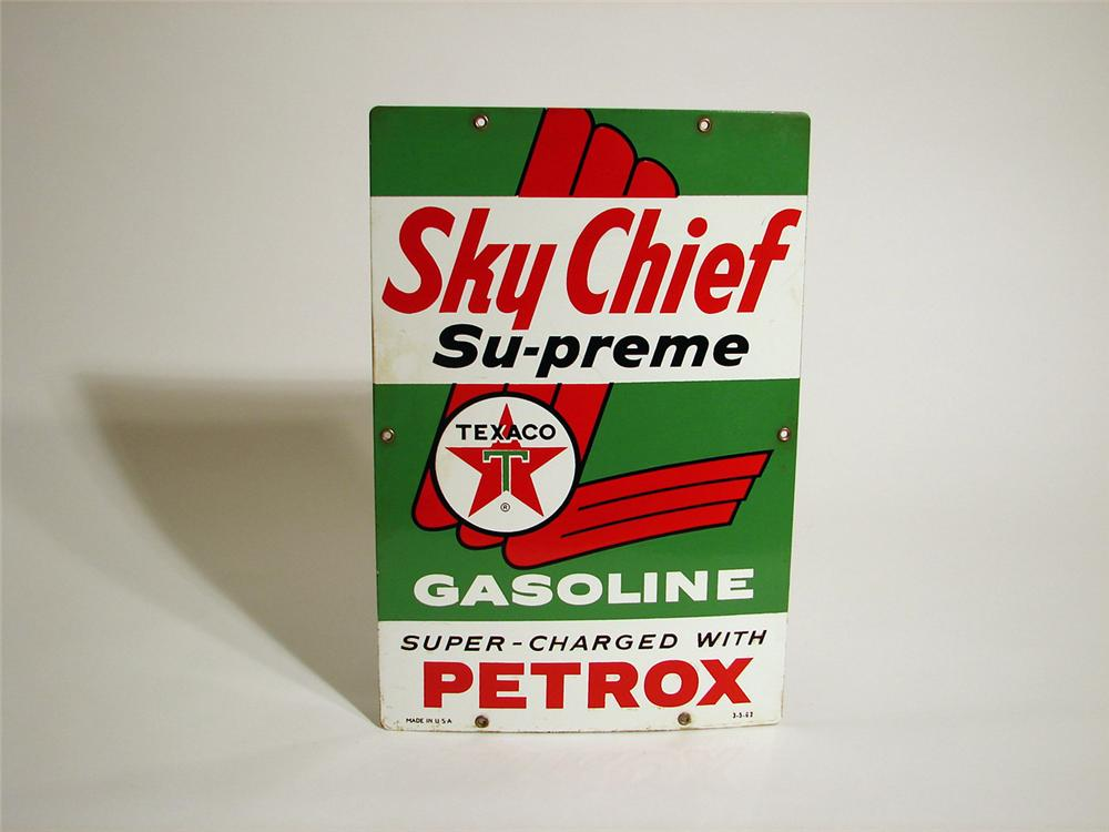 1962 Texaco SkyChief  Supreme with Petrox porcelain pump plate sign. - Front 3/4 - 50255