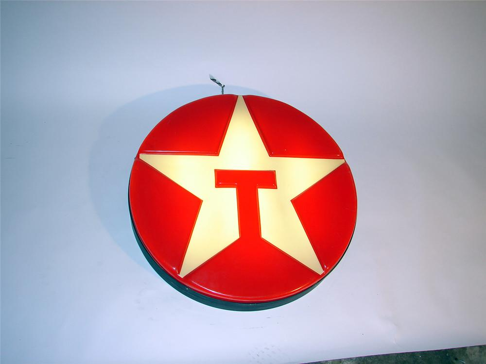 Awesome 1960s Texaco light-up station sign with three-dimensional styling. - Front 3/4 - 50721