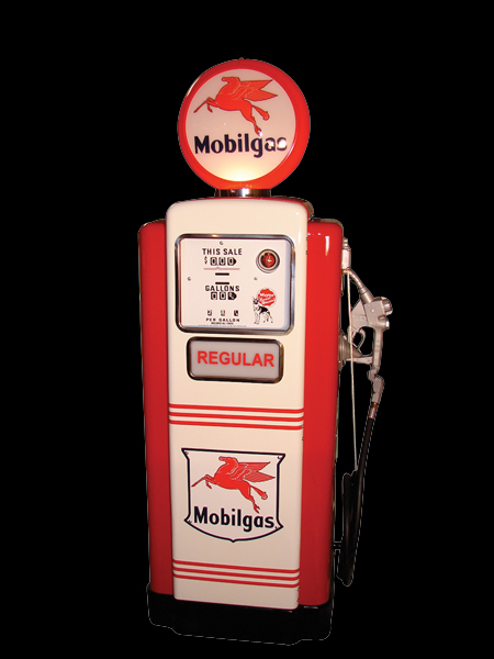 Immaculate 1950s Wayne model #100 Mobil station gas pump. - Front 3/4 - 62479