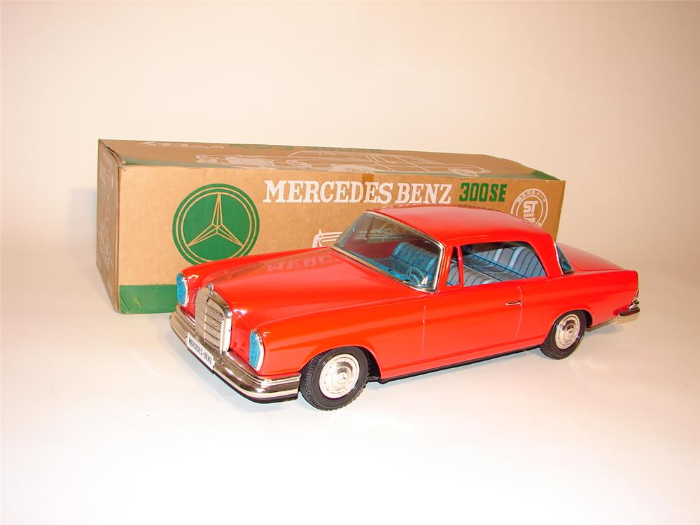 N.O.S. 1960s Mercedes 300 SE over-sized tin litho toy car still in the original box. - Front 3/4 - 62833