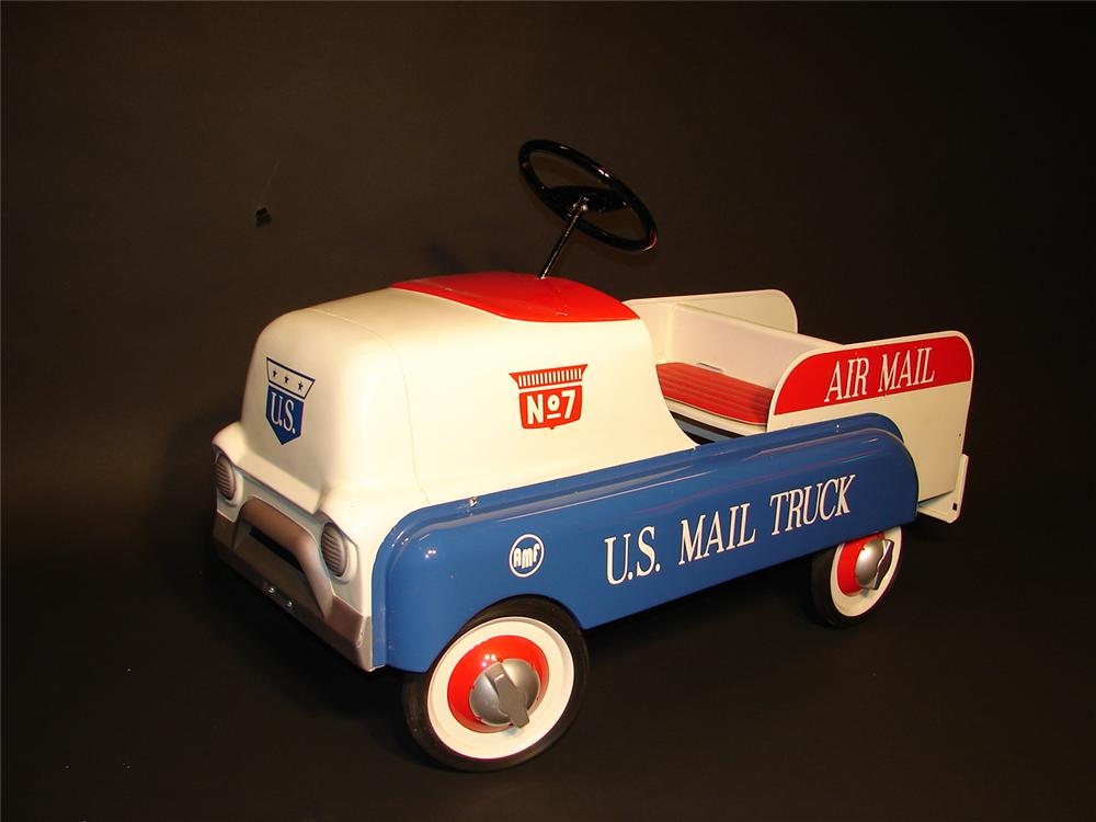 "Neat late 50s-early 60s AMF ""Air Mail"" postal delivery wagon pedal car. - Front 3/4 - 62853"