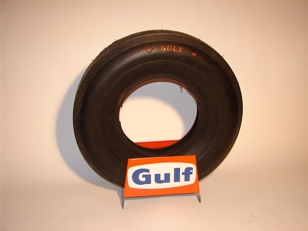 1960s N.O.S. Gulf Tires station display complete with N.O.S. Gulf tire. - Front 3/4 - 62914