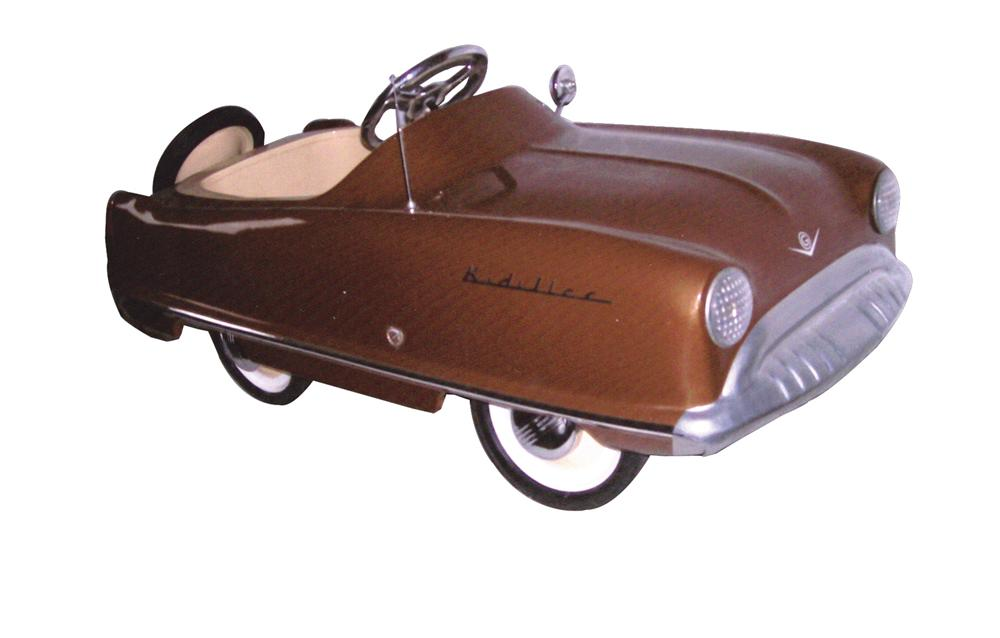 "Sharp 1950s Kidillac ""Cadillac"" pedal car by Garton. - Front 3/4 - 63134"