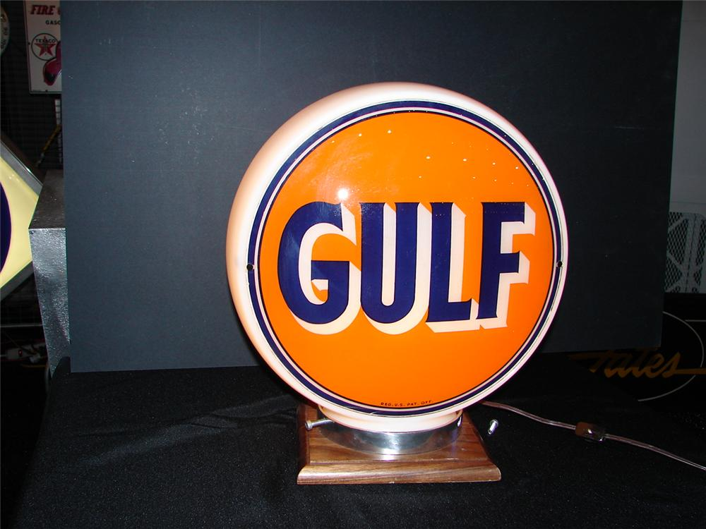 Gulf Gasoline gas pump globe on wide body. - Front 3/4 - 63283