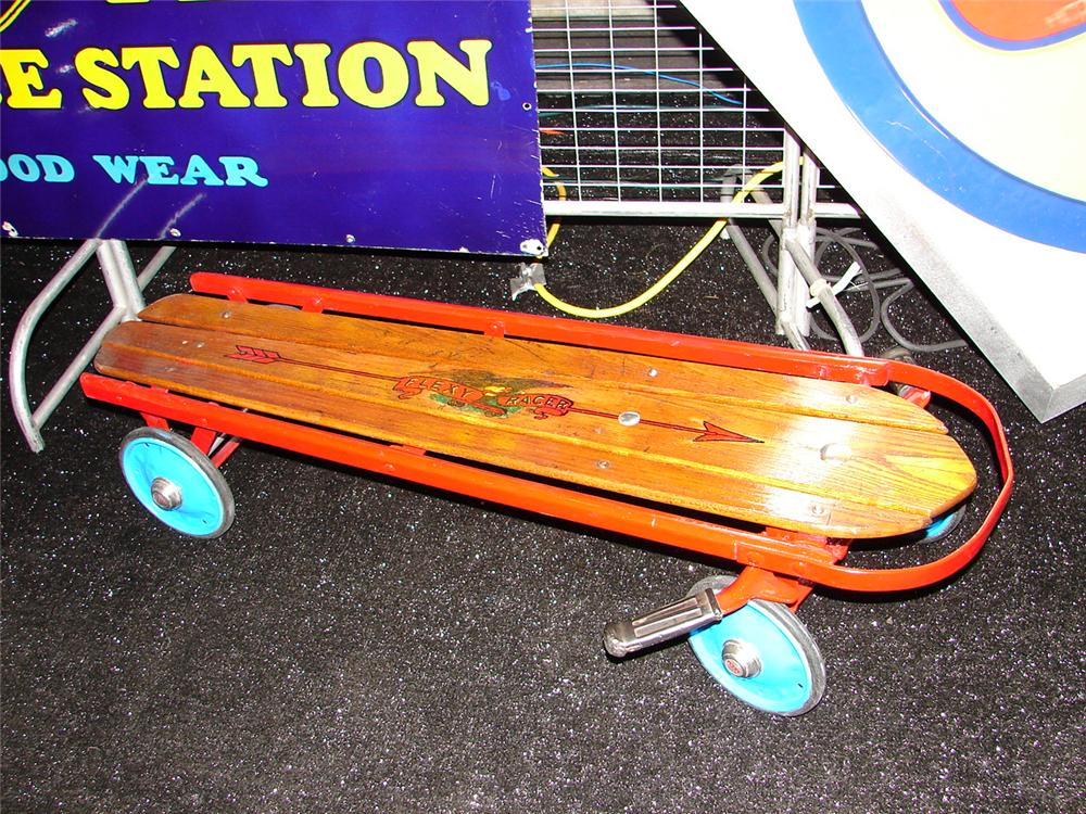 Neat 1930s wooden flexy racer. - Front 3/4 - 63535
