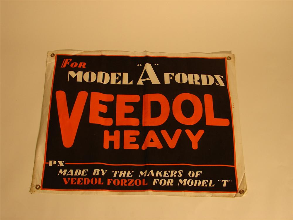 """N.O.S. 1920s Veedol Motor Oil for Ford Model """"As"""". - Front 3/4 - 64792"""