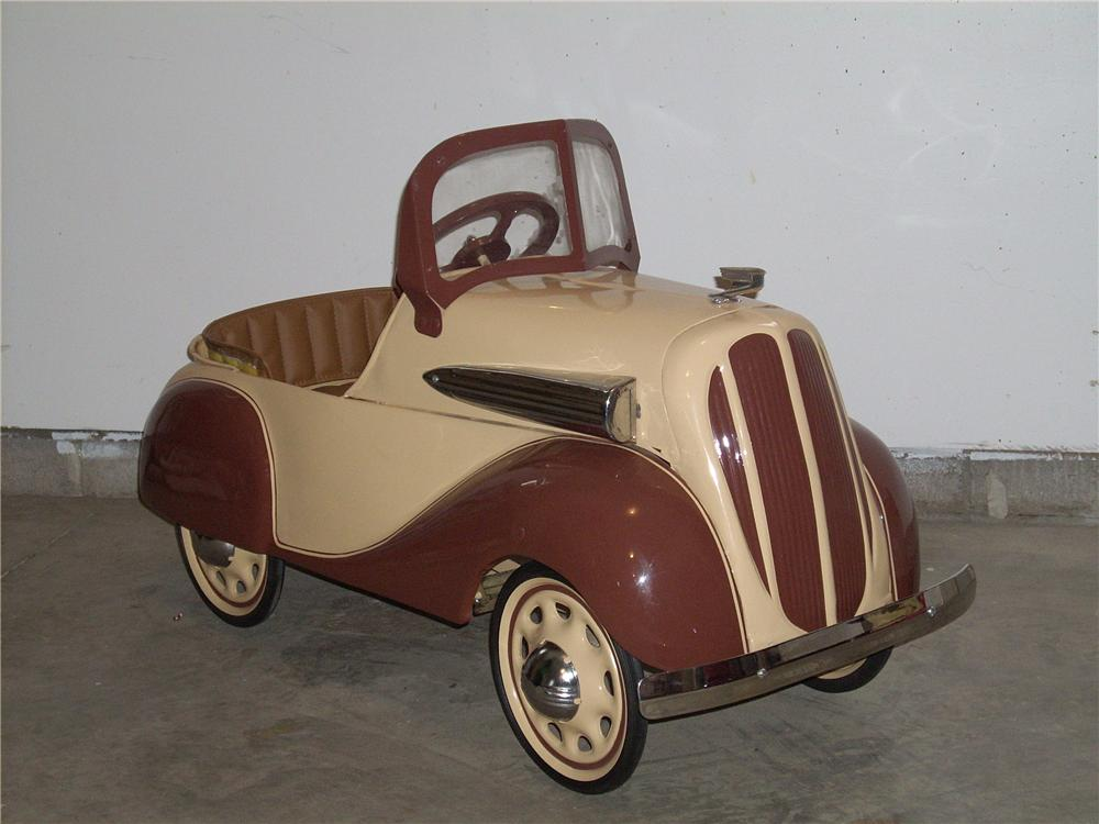 Unparalleled 1936 Chevrolet by Steelcraft pedal car.  Restored to original. - Front 3/4 - 65298