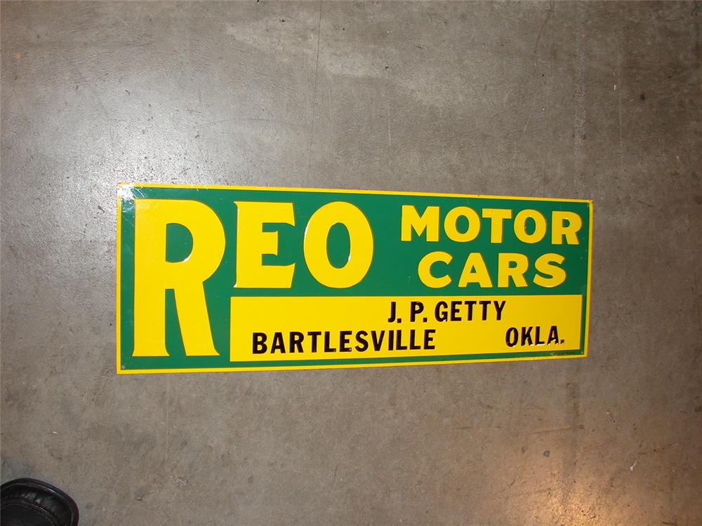 Nicely done reproduction of a 1930s Reo Motor Cars single-sided tin garage sign. - Front 3/4 - 66856