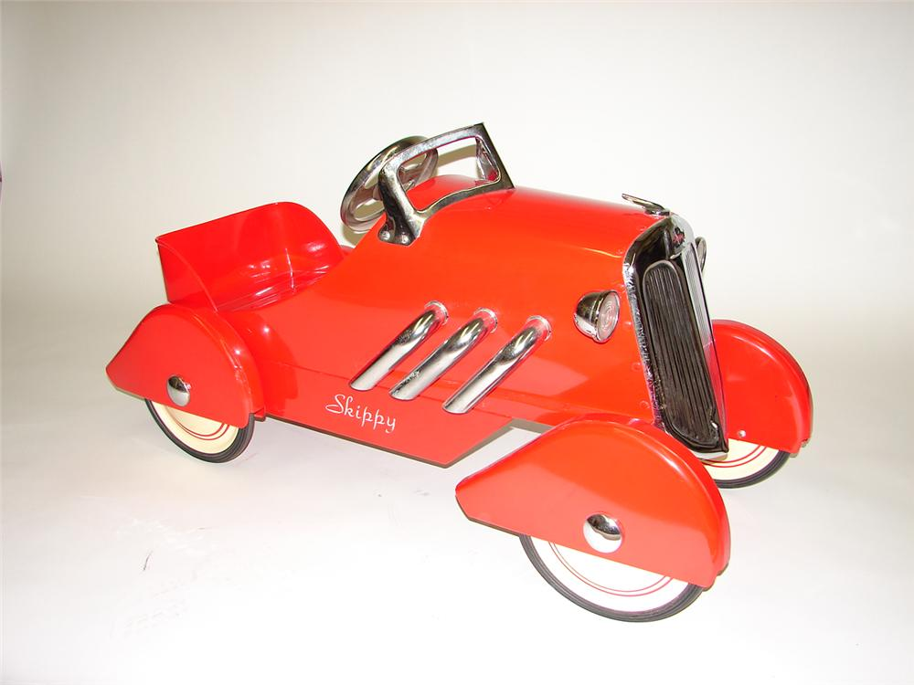 1930s Skippy Grand Roadster restored pedal car - Front 3/4 - 67102