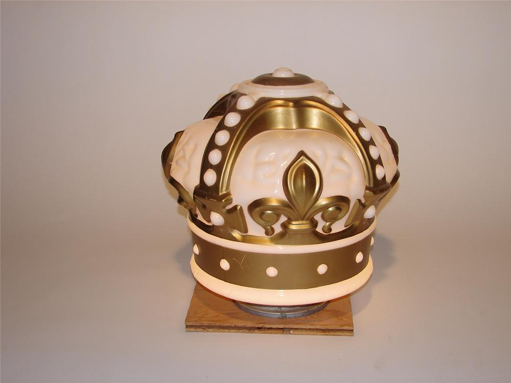 1930s Standard Gold Crown one-piece gas pump globe. - Front 3/4 - 69253
