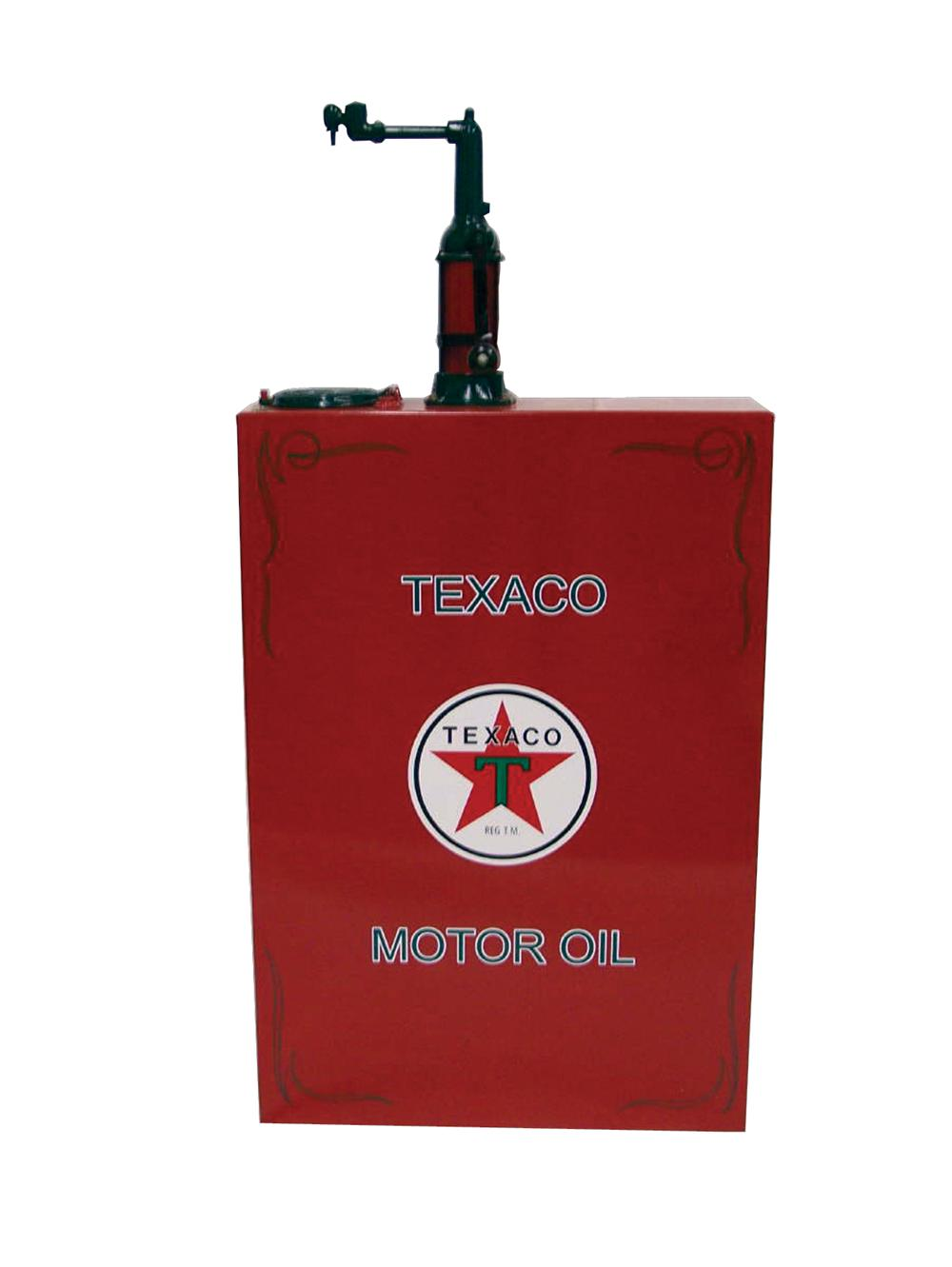 Killer 1920s-30s Texaco Filling Station 60 gallon hand crank oil lubester. - Front 3/4 - 70326