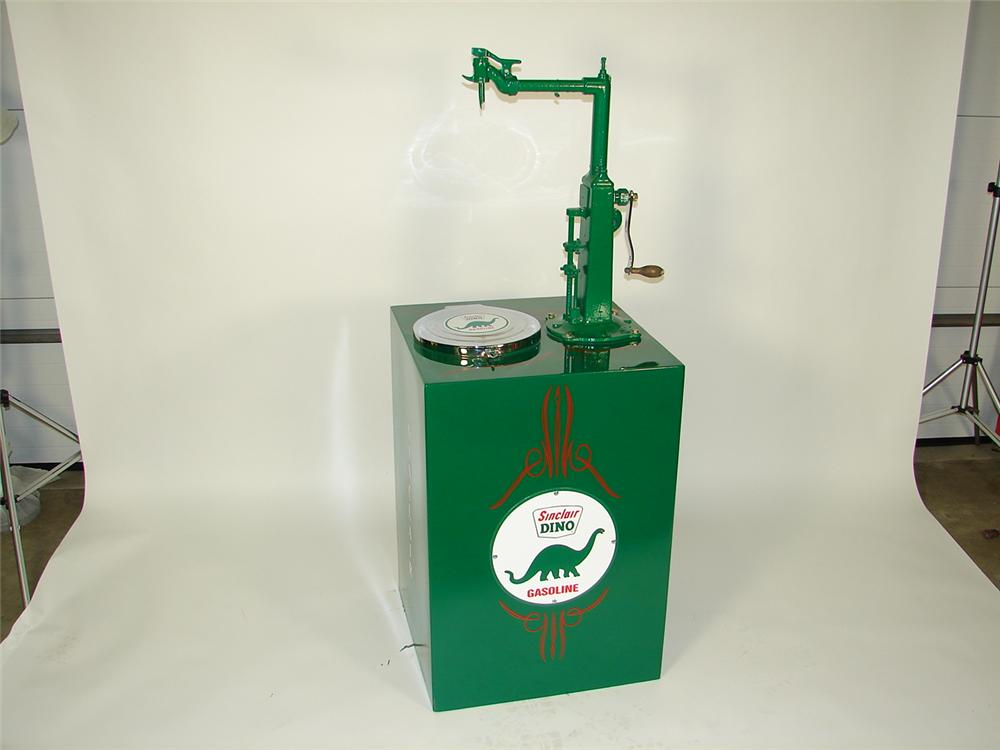 Impressively restored Sinclair Oil 60 gallon station lubester. - Front 3/4 - 71354