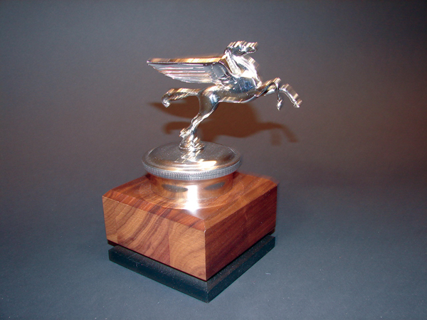 Fabulous 1930s Mobil Pegasus delivery vehicle hood mascot. - Front 3/4 - 71370