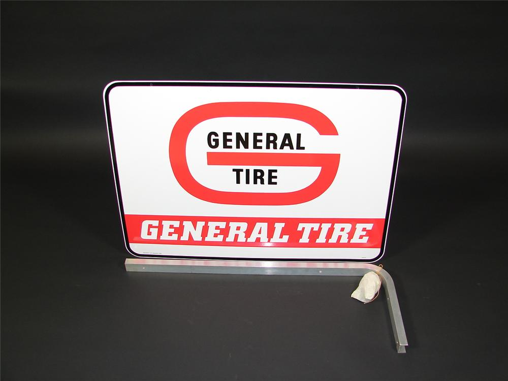 N.O.S. General Tires double-sided tin garage sign with original hanging bracket - Front 3/4 - 71498