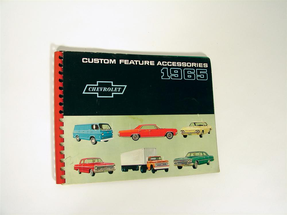 Elusive 1965 Chevrolet custom feature Accessories book. - Front 3/4 - 72220