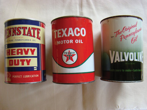 Lot of three Vintage 1950s metal oil quart cans. - Front 3/4 - 72309