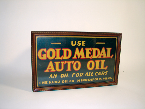 1930s Gold Medal Auto Oil station cardboard. - Front 3/4 - 72322