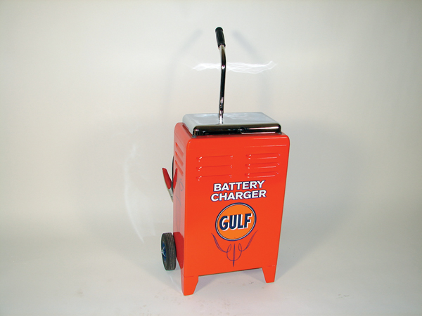 Neat 1950s Gulf Service station battery tester on wheels. - Front 3/4 - 72395