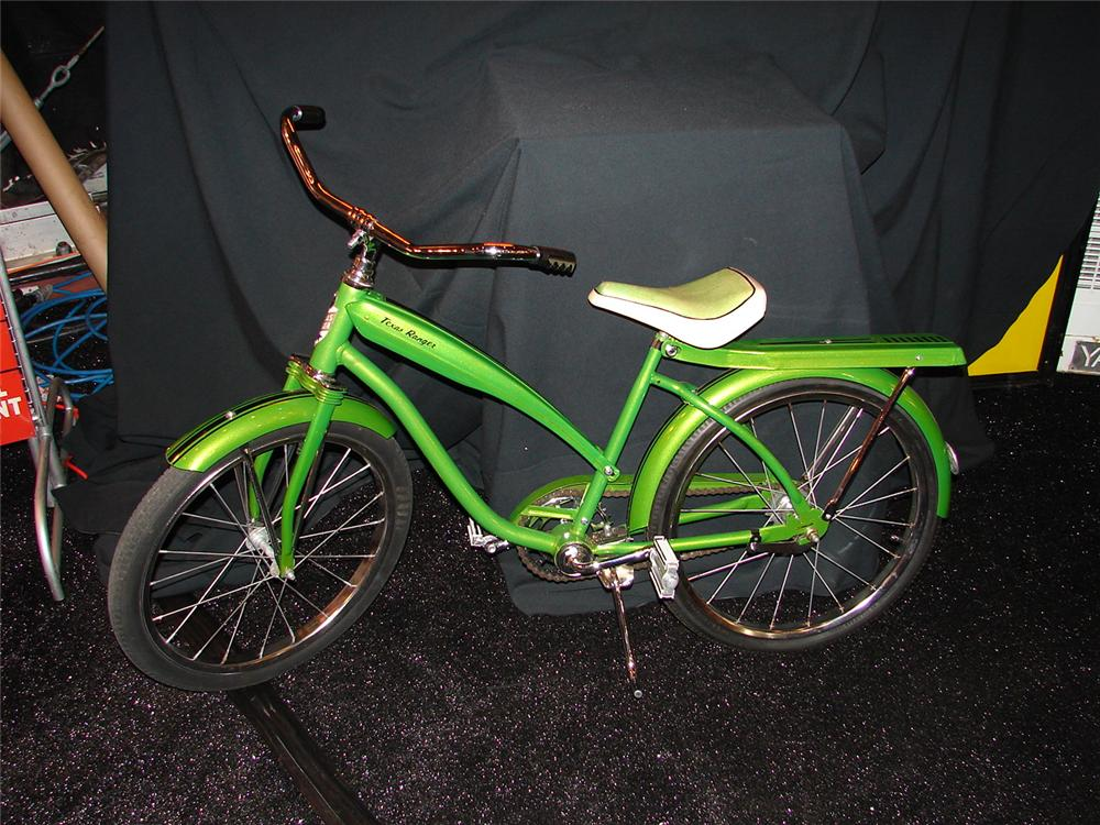 1960s Texas Ranger restored bicycle with new chrome and pin-striping. - Front 3/4 - 73512