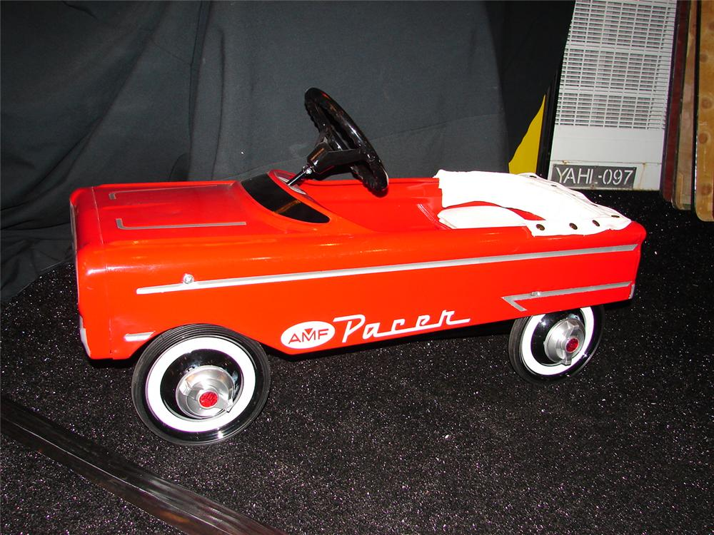 Ealry 1960s AMF Pacer restored pedal car with upholstered seat. - Front 3/4 - 73513