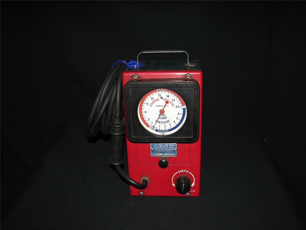 Late 50s-early 60s Sun service department vacuum tester. - Front 3/4 - 73881
