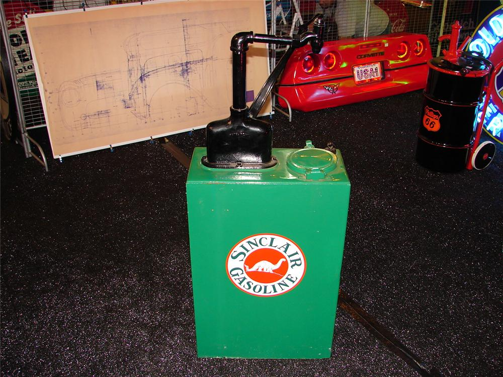 Nicely restored 1930s Sinclair service station 30 gallon hand crank oil lubester. - Front 3/4 - 73905