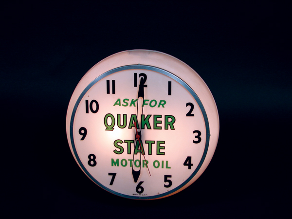 Fabulous 1950s-60s Quaker State Motor Oil light-up garage clock. Lights and works perfectly! - Front 3/4 - 74059