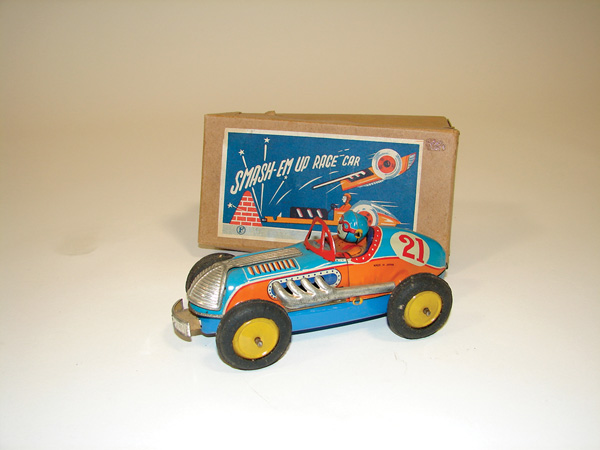 N.O.S. 1930s Smash Em-Up Grand Prix tin-litho wind-up Race Car still in the original box. - Front 3/4 - 75557