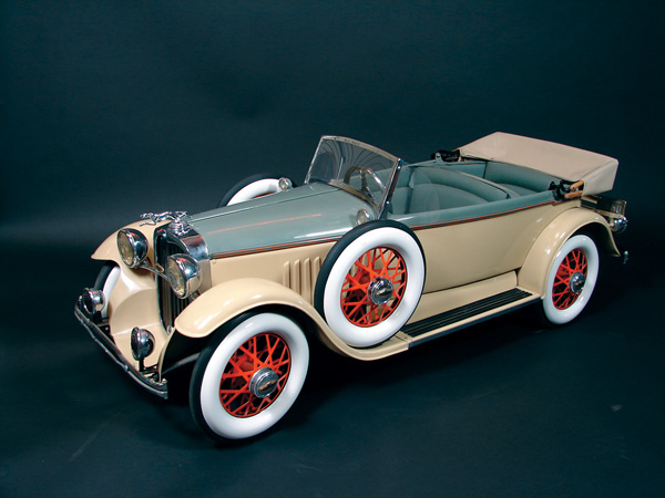 Beautifully restored late 1920s Lincoln Phaeton restored pedal car. - Front 3/4 - 75570