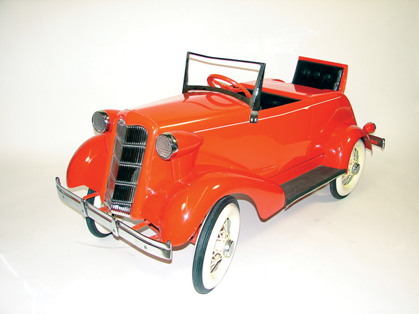 Neat 1930s Auburn pedal car with rumble seat. - Front 3/4 - 75571