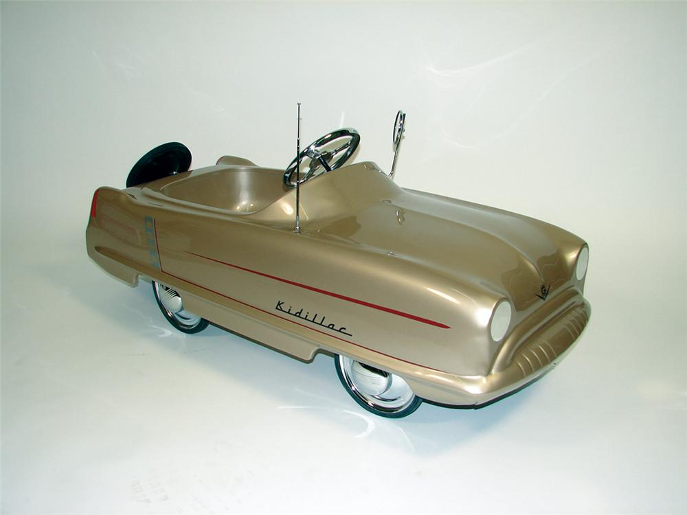 Exceptional late 50s Kidillac by Garton Cadillac pedal car. - Front 3/4 - 75652