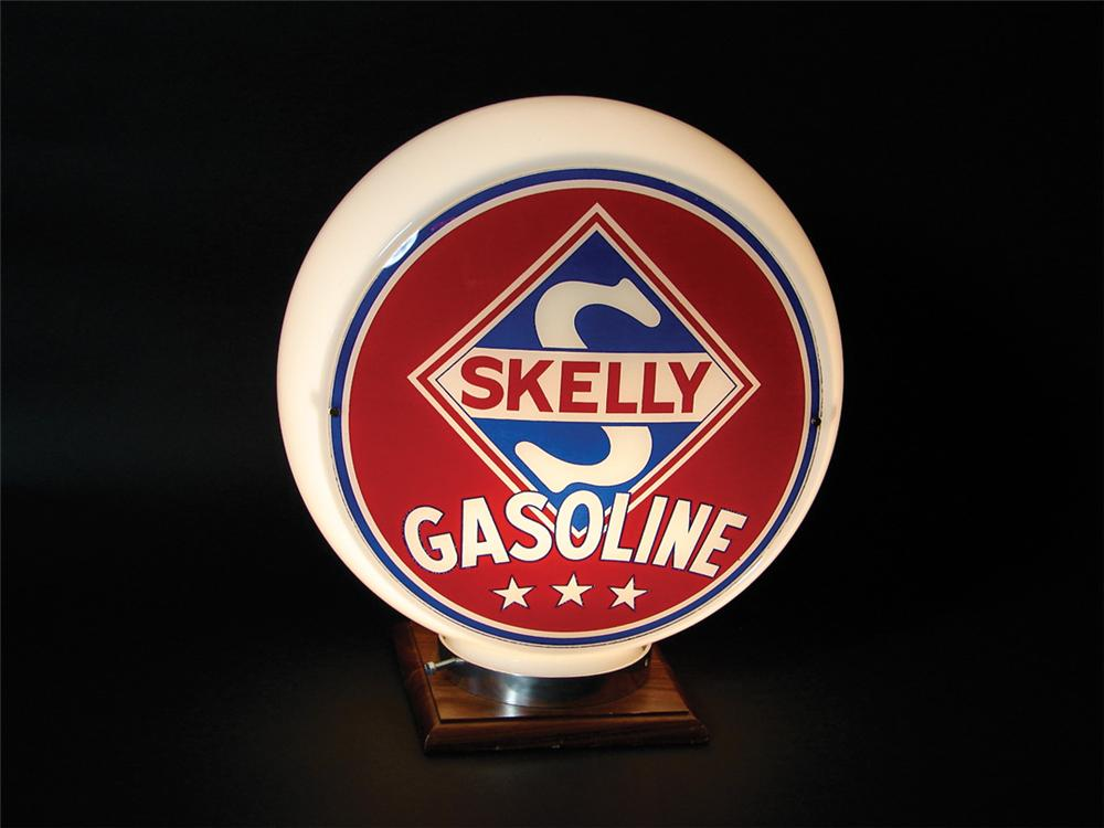 Stupendous 1940s-50s Skelly Gasoline glass bodied pump globe. - Front 3/4 - 75789