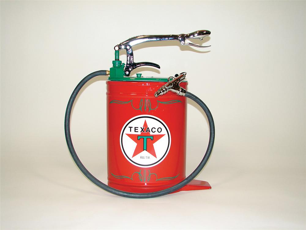 Striking 1930s Texaco service department hand-pump 5 gallon greaser. - Front 3/4 - 75808