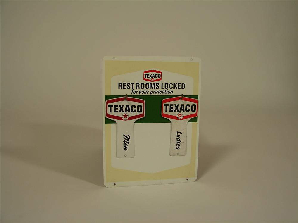 "N.O.S. 1960s Texaco ""Clean Rest Rooms"" metal station sign with lightly used rest rooms key tags attached. - Front 3/4 - 79360"