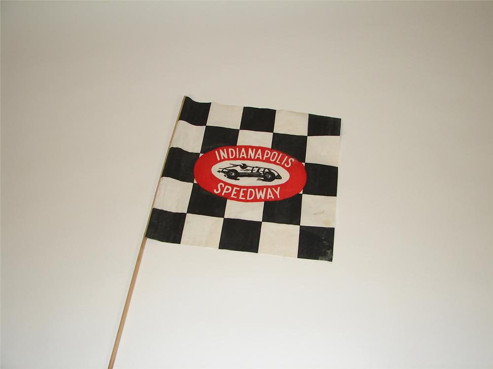 Neat 1940s Indianapolis Speedway souvenir checkered flag. - Front 3/4 - 79380