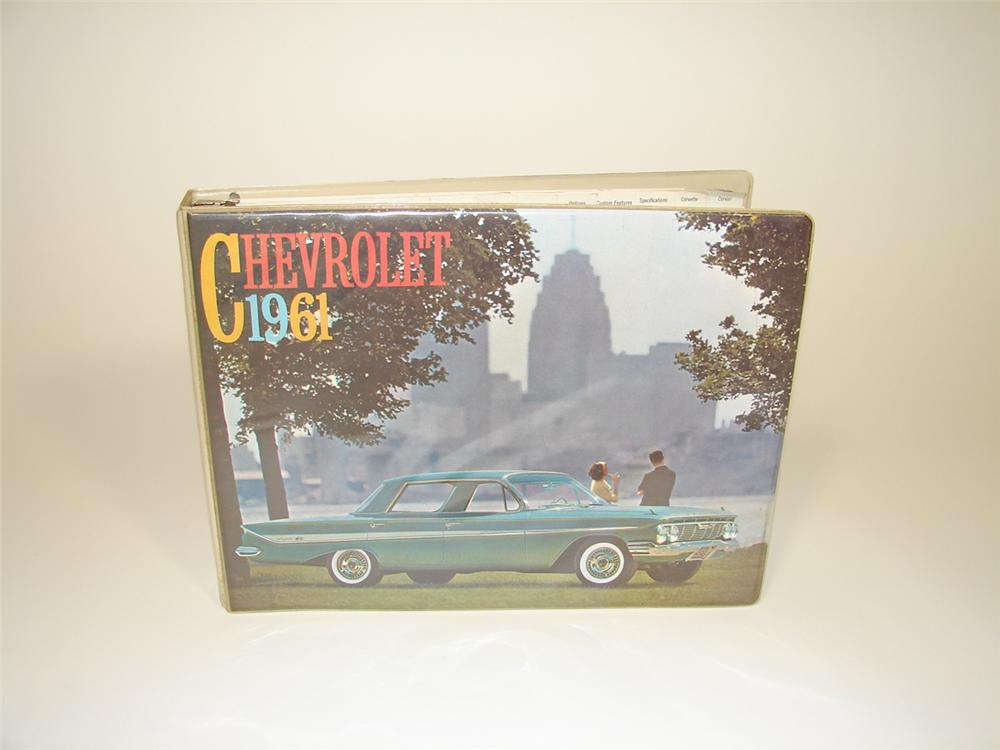 Choice 1961 Chevrolet showroom sales dealer catalog covering the entire-line up including Corvette. - Front 3/4 - 79490