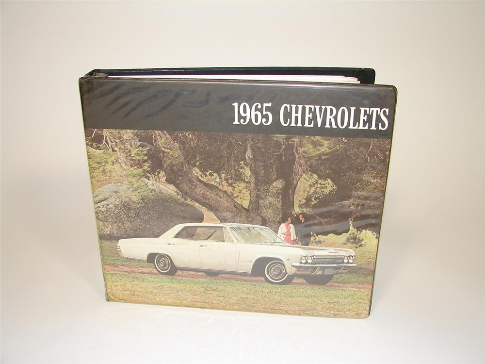 1965 Chevrolet showroom sales dealer catalog. - Front 3/4 - 79491