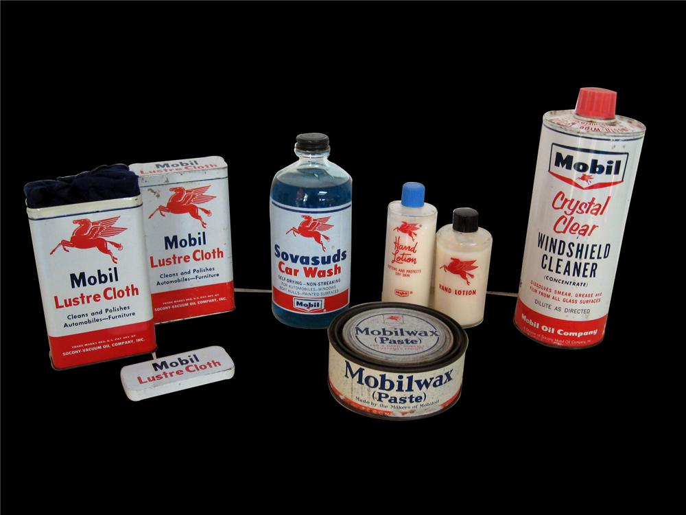 Very nice assortment of 1940s-50s Mobil Oil product tins. - Front 3/4 - 79540