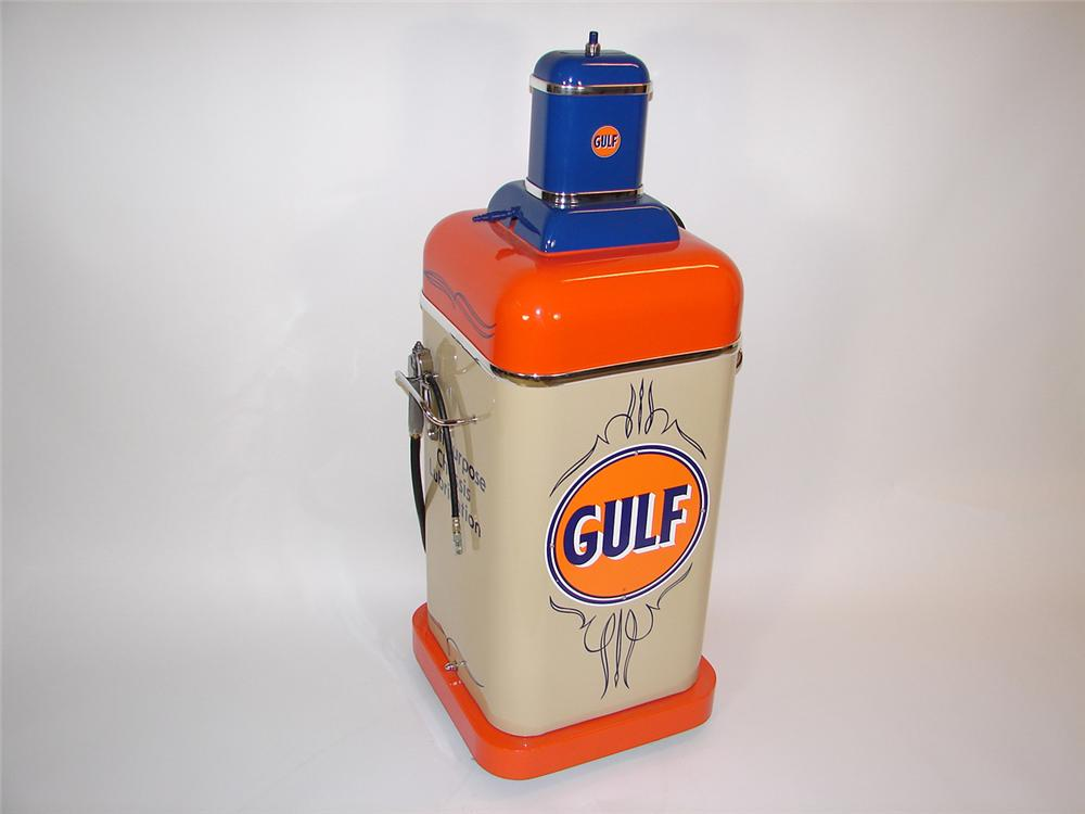 Fantastic 1940s-50s Gulf Service Department Multi-Purpose chassis lubricator on wheels. Restored beyond original. - Front 3/4 - 81501