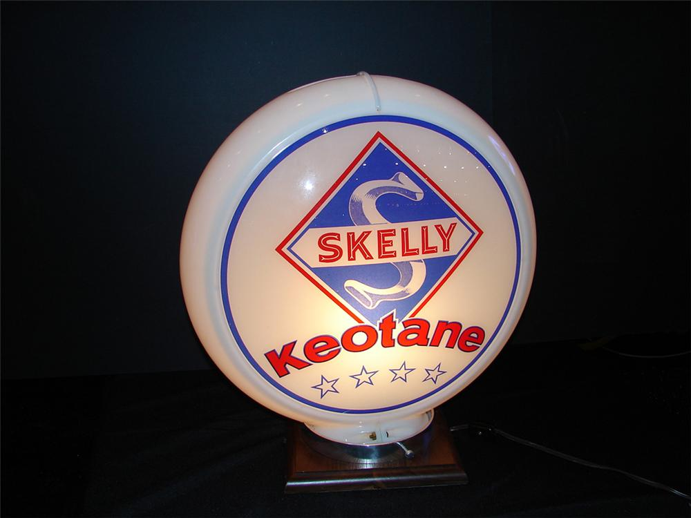 """Sharp 1949 N.O.S. Skelly Keotane 13.5"""" Capco plastic bodied gas pump globe. - Front 3/4 - 82357"""