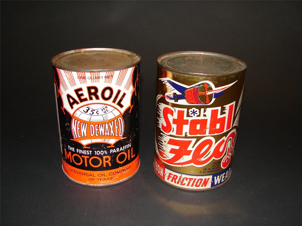 Lot of two 1940s aviation motor oil metal quarts cans: Stabl-Flo and New Dewaxed Aeroil. - Front 3/4 - 82409