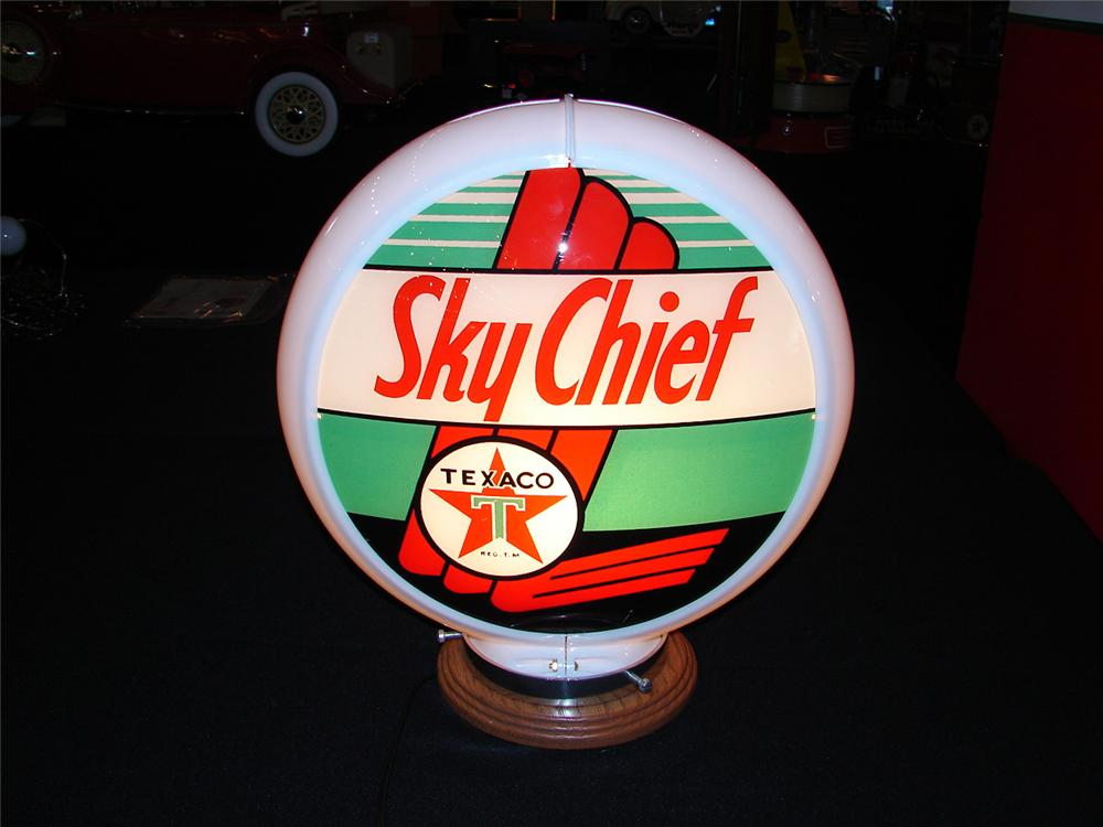 Fabulous 1950s Texaco Sky Chief Gasoline plastic bodied glass faced gas pump globe. - Front 3/4 - 85539