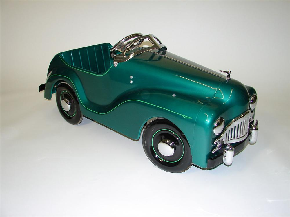 Beautifully restored 1950s Austin pedal car. - Front 3/4 - 89240